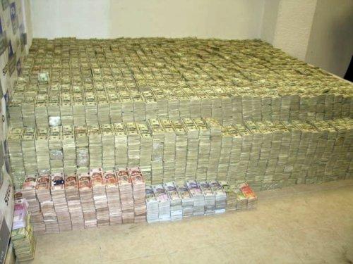 Subsidie voor drugsdealers. Met de groeten van de naive Nederlandse burger die denkt dat de politie de drugscriminelen wel aankan.