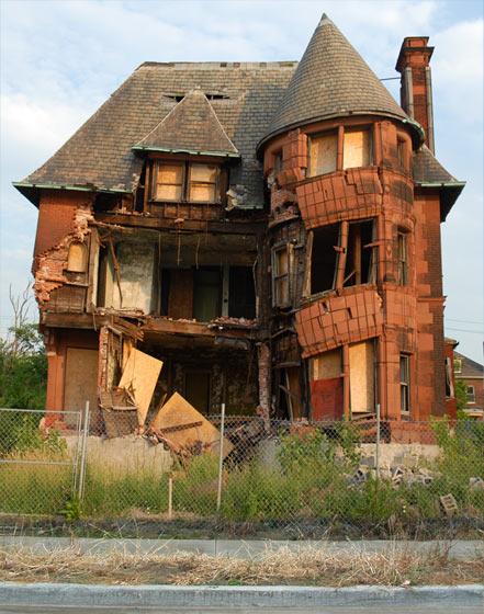 Hoeveel zou je voor dit huis willen betalen? Tonnetje of vijf toch wel?