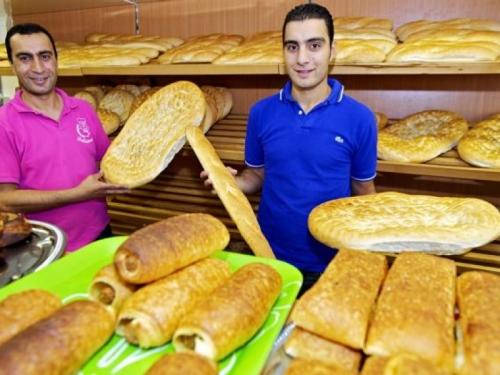Bij de Turkse bakker werken alleen maar turken.