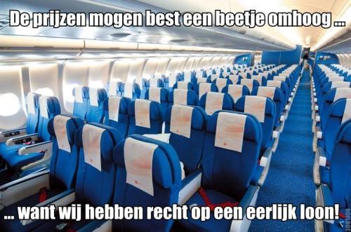 FNV: Alle stewardessen een eerlijk loon!
