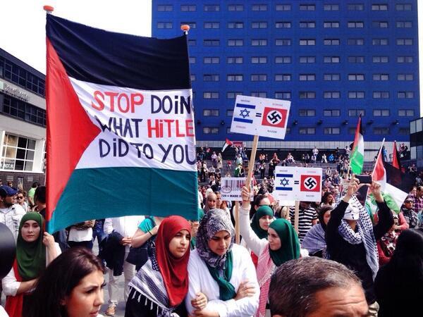 Hakenkruizen bij anti Israël demo in Den Haag