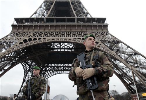 In Frankrijk wordt het leger ingezet om de burger te beschermen. Tegen de Religie van de Vrede.
