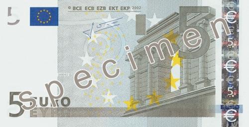 Als je 1.5 miljard in 5 euro biljetten achter elkaar zou leggen dan kun je daarmee de wereld rond.